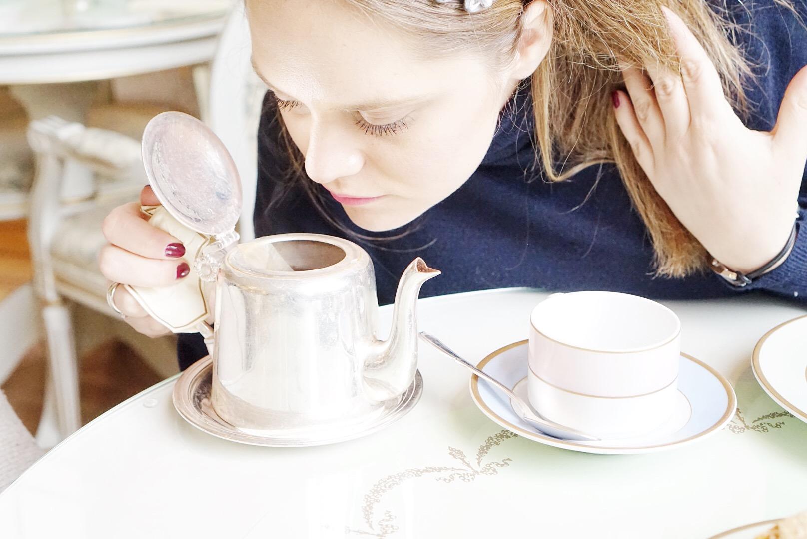 zawsze wącham jedzenie i napoje...zapach jest bardzo ważny