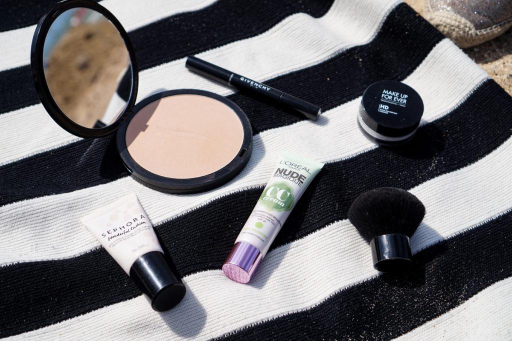 MerCarrie Kosmetyki do makijażu niezbędne latem
